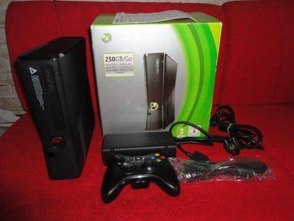 продам xbox 360 slim 250 gb прошита freeboot c играми