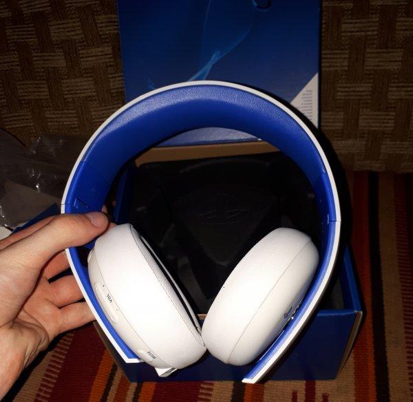 Продам Gold Wireless Headset White